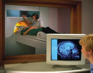 Как делают МРТ головного мозга